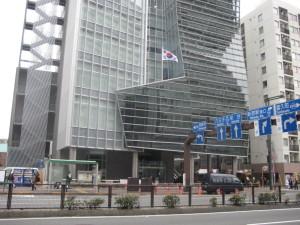 南朝鮮大使館前で停止演説